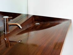 A high-gloss iroko-wood sink in the sleeping cabin's bathroom, designed by architecture students at the University of Toronto. Photo 5 of 16 in Floating House, Lake Huron. Browse inspirational photos of modern homes. Bathroom Sink Decor, Modern Bathroom Sink, Modern Sink, Modern Room, Wooden Bathtub, Wooden Bathroom, Wood Sink, Cabin Bathrooms, Sink Design