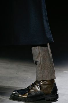 See detail photos for Dries Van Noten Fall 2016 Menswear collection.