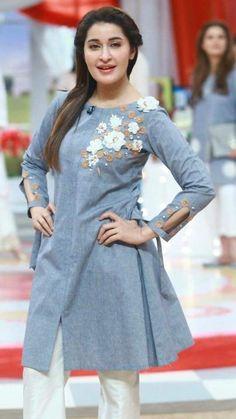- Her Crochet Frock Design, Net Dress Design, Stylish Dresses, Simple Dresses, Casual Dresses, Simple Pakistani Dresses, Pakistani Dress Design, Sleeves Designs For Dresses, Dress Neck Designs