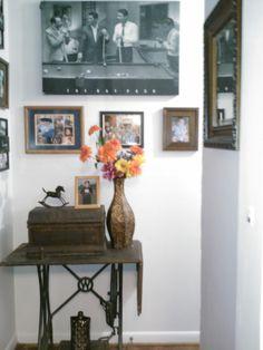 display vintage sewing machine