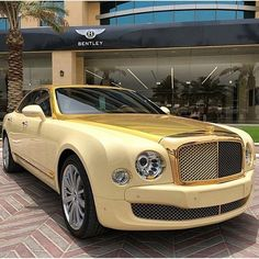 Bentley Mulsanne in gold