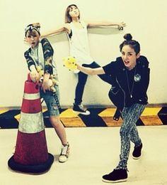 2NE1 plays around in a parking garage ~ Latest K-pop News - K-pop News | Daily K Pop News
