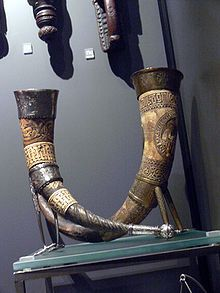 Two Icelandic drinking horns from around 1600 in the Danish National Museum.