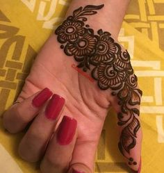 Cute and simple hinna mehndi designs ♥ Palm Henna Designs, Palm Mehndi Design, Indian Henna Designs, Finger Henna Designs, Mehndi Designs 2018, Mehndi Designs For Beginners, Mehndi Designs For Girls, Mehndi Design Pictures, Unique Mehndi Designs