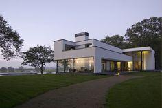 WOONHUIS GORSSEL: moderne Huizen door Maas Architecten