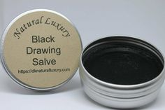 This amazing salve is specifically designed to draw unwanted things such as splinters, boils, glass shards, etc from your skin! It also helps to heal the wounded area. It has been successfully used for many years and will continue to provide awesome relief for generations to come. Wellness Tips, Health And Wellness, Black Drawing Salve, Acne And Pimples, Infused Oils, Lotion Bars, Diffuser Blends, Designs To Draw, Natural Remedies