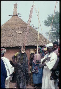 Mossi mask, Yatenga style, Yatenga, 1976 © Christopher D. Roy