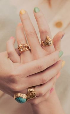 Gorgeous rings and pretty pastel nails �
