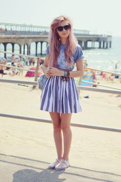 Stripes and tie-dye, almost monochromatic. Pretty hair. Via Amy Valentine.