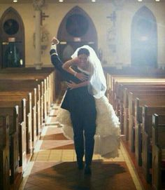 I want to have a wedding picture like this one day