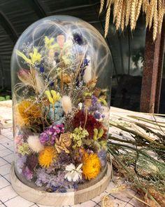 """Raket & Distels on Instagram: """"Veel vraag naar de stolpen, super bedankt daarvoor. Op dit moment zijn we de laatste klussen aan het afronden voor de zomervakantie. We…"""" Dried Flower Wreaths, Dried Flower Bouquet, Deco Floral, Floral Design, Diy Flowers, Paper Flowers, Earth Craft, Reno, Modern Colors"""