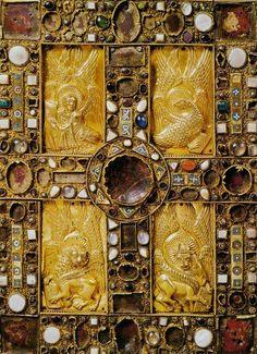 Cover book of Kells