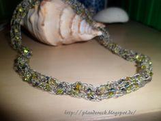 Perlenkette mit Strickliesel gefertigt