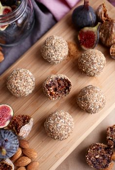Fig and almond energy balls recipe bliss balls десерты, еда Vegan Snacks, Healthy Treats, Healthy Desserts, Raw Food Recipes, Dessert Recipes, Eat Healthy, Fig Recipes Healthy, Dried Fig Recipes, Vegan Foods