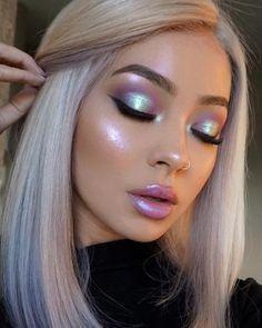 Glossy dewy finish, full face makeup | pink + blue eyeshadow cut crease | bubblegum lip gloss | <3
