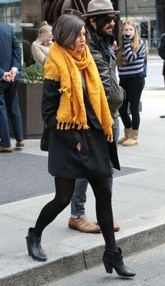 Яркий большой шарф - желтый, синий, оранжевый