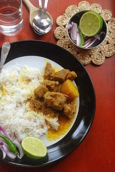This easy Bengali Sunday Mutton curry recipe is delicious with a thin, spicy curry, Mangshor jhol Veg Recipes Of India, Indian Food Recipes, Ethnic Recipes, Bangladeshi Food, Bengali Food, Vegetable Curry, Vegetable Dishes, Mutton Curry Recipe, Recipe Master