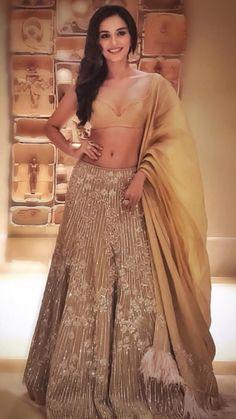 Top Bollywood actors glamourising the Indian couture week, 2018 – Fashion fun India Indian Wedding Outfits, Pakistani Outfits, Indian Outfits, Indian Clothes, Indian Weddings, Fashion Story, Star Fashion, Latest Fashion, Women's Fashion