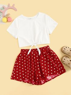 Girls Knot Hem Tee and Slant Pocket Shorts Set Cute Comfy Outfits, Kids Outfits Girls, Girls Fashion Clothes, Summer Fashion Outfits, Cute Outfits For Kids, Teenager Outfits, Pretty Outfits, Stylish Outfits, Cool Outfits