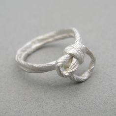 string ring | Contemporary Rings by contemporary jewellery designer Antonella Giomarelli