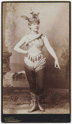 Photograph of Loie Fuller, General Collection, Beinecke Rare Book and Manuscript Library, Yale University Circus Costume, Burlesque Costumes, Carnival Costumes, Vintage Photographs, Vintage Images, Steampunk Circus, Vintage Circus Posters, Circo Vintage, Saloon Girls