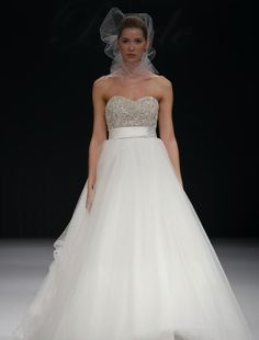 Sweetheart Princess/Ball Gown Wedding Dress  with Empire Waist in Organza. Bridal Gown Style Number:32383432