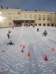 """Liukurikeilaus esim. talviurheilupäivään + kaikkea muuta kivaa """"lumipuuhaa"""" Winter Pictures, Motor Activities, Physical Education, My Dream, Physics, Athlete, Kindergarten, Nostalgia, Street View"""