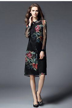 2016 Printemps Femmes Nouvelle Manches Longues De Mode Genou Longueur Élégant Unique-du sein Collier En Cuir Fleur Broderie Robe Noir OY60331 Prix :€ 57,86 / pièce