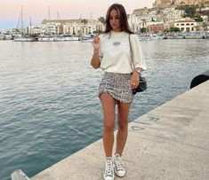 Converse Style, Comparing Yourself To Others, White Shorts, Personal Style, Sequin Skirt, Mini Skirts, Classy, Womens Fashion, Casual