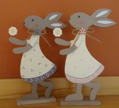 Bunny Girls in different colors Easter Projects, Easter Crafts, Bunny Girls, Christmas Wood, Christmas Ornaments, Wood Crafts, Diy And Crafts, Diy Ostern, Newspaper Crafts