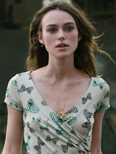 Keira Knightley as: Isilynor Uripeiros, bodyguard of Astra, belongs to the Kingdom of Dwairius.