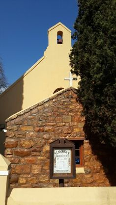 St Andrews church in Greyton....the last resting place of the founding father of the town. #greyton #standrewschurch