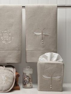 "DG23 Tissue Box Cover** - Natural Linen, Embroidered (4 1/2""x4 1/2""x5 1/4"")"