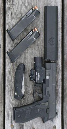 SIG SAUER P226 MK25 4.4 IN 9MM BLACK POLYMER SIGLITE NIGHT SIGHTS 15+1RD PISTOL HANDGUN.