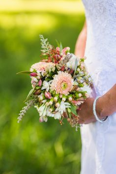 Wedding And Portrait Photography . Wedding Bouquets, Wedding Flowers, Portrait Photography, Wedding Photography, Wedding Decorations, Groom, Wreaths, Bride, Wedding Bride