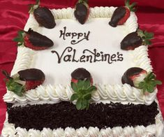 No man in the world can forget the love of a mother. The mother endures the world for the sake of her children. Chocolate Basket, Salted Chocolate, Chocolate Buttercream, Vanilla Buttercream, Mothers Day Cake, Mothers Day Special, Mother Day Gifts, Happy Mothers, Cheese Whiz