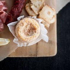 Karin Offinger (@lestissuscolbert) • Instagram-Fotos und -Videos der beste Käse...