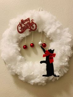 Christmas In July, Christmas Cats, All Things Christmas, Etsy Christmas, Diy Wreath, Wreath Bows, Felt Christmas Ornaments, Homemade Christmas, Holiday Wreaths