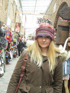 Sombrero del ganchillo Freeform fantástico por handmadestreet101 Gorros f24ca98ee3a