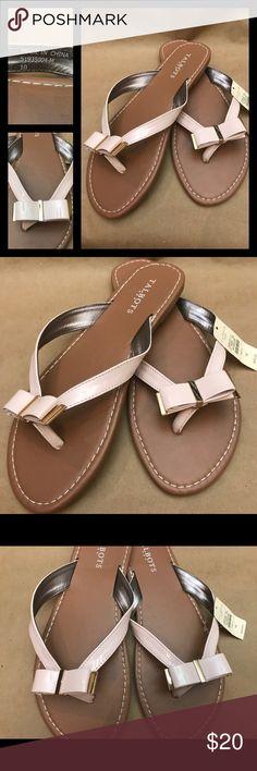Talbots Blush Pink Bow Sandals Talbots blush pink bow sandals. Brand new with tags. Clean. No rips, stains, peeling or creasing. As pictured.   ༼  Sɪᴢᴇ  ༽  10 ␟  N o t e ┊ ↰ ↴ • - - - -× ▬▬▬▬▬▬▬▬▬▬▬▬ I ʀᴇᴄᴏʀᴅ ᴍʏ ɪᴛᴇᴍ ᴡʜɪʟᴇ ᴘᴀᴄᴋɪɴɢ ᴛᴏ ᴀᴠᴏɪᴅ sᴄᴀᴍs.  Pᴇᴛ   Sᴍᴏᴋᴇ ғʀᴇᴇ ʜᴏᴍᴇ. Talbots Shoes Sandals