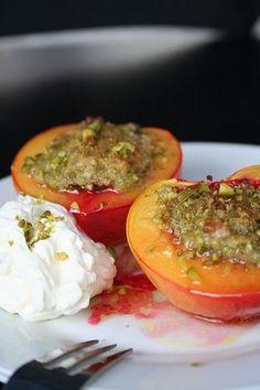 Nectarines rôties coeur craquelin de pistaches, Recette Ptitchef