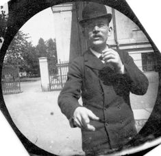 19 Year Old Paparazzi Secretly Photographs People with Hidden Spy Cam in the 1890s