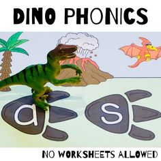 VC Words Phonics Decoding Activity for Beginning and Struggling Readers Hands On Learning, Learning Activities, Creative Teaching, Teaching Ideas, Struggling Readers, Decoding, Letter Sounds, Dinosaurs