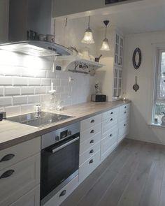 Modern Home Decor Kitchen Kitchen Room Design, Home Decor Kitchen, Interior Design Kitchen, New Kitchen, Home Kitchens, Modern Kitchens, Small Space Interior Design, Cuisines Design, Küchen Design