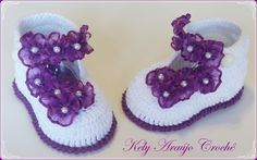 Crochet Baby Boots, Crochet Baby Sandals, Crochet Baby Clothes, Crochet Shoes, Baby Clothes Blanket, Crochet Potholder Patterns, Woolen Craft, Baby Shoes Pattern, Baby Sweaters