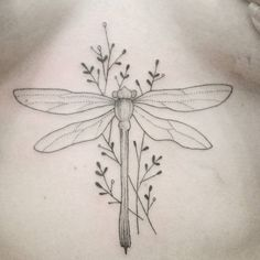 39 Of The Coolest Ideas For Between-The-Boobs Tattoos We've Ever Seen Mini Tattoos, Body Art Tattoos, Small Tattoos, Sleeve Tattoos, Crown Tattoos, Heart Tattoos, Dragonfly Tattoo Design, Tattoo Designs, Totenkopf Tattoos
