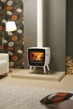 Dovre Vintage 35 in White enamel with Stovax Ivory Enamelled flue pipe.