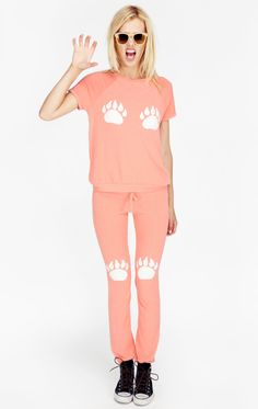 A peachy set of summer sleeved skinny sweats put a feisty, comfortable spin to a sunny day and an outdoor BBQ night.  PAWS MALIBU SKINNY SWEATS