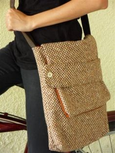 Brown + Orange Wool/Tweed Shoulder Bag by linoy on Etsy - Your place to buy and sell all things handmade My Bags, Purses And Bags, Burlap Bags, Diy Handbag, Handmade Purses, Fabric Bags, Cheap Bags, Bead Crochet, Tote Purse