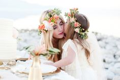 A darling mother - daughter wedding inspiration shoot with a peach, blush, and gold color palette and flower crowns. Mother Daughter Wedding, Mom Daughter, Mothers Day Book, Boho Chic, Bohemian, Love U Mom, Mother Daughter Photography, Before Wedding, Bridal Session